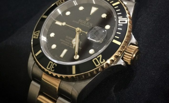 replica rolex submariner two tone black dial watch front view