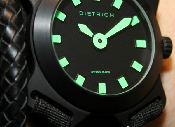 Dietrich Snow Watch Hands-On Hands-On